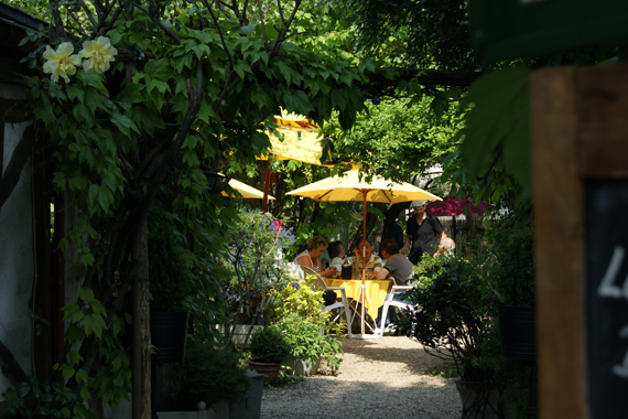 Restaurant le verger la guinguette de nogent sur marne for Cafe du jardin london